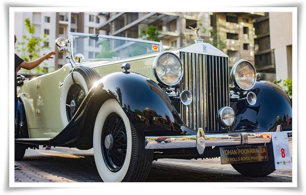 Aurangabad Rent Hire vintage wedding cars Aurangabad vintage wedding car Aurangabad marriage vintage wedding cars indian wedding bride groom Aurangabad
